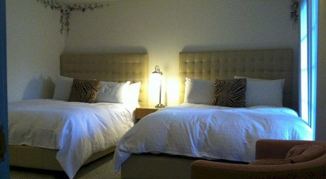 The Mediterraneo Resort - Palm Springs - Bedroom