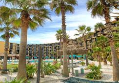 Hawaiian Inn Daytona Beach By Sky Hotels And Resort - เดโทนา บีช - อาคาร