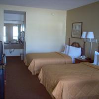 Days Inn & Suites Savannah Midtown Standard Two Double Bed Room