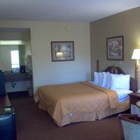 Days Inn & Suites Savannah Midtown Standard Two King Bed Room