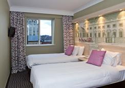 The President Hotel - ลอนดอน - ห้องนอน