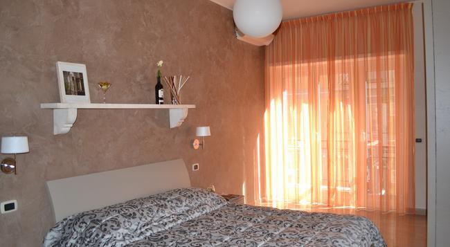Gemelli Rooms - Rome - Bedroom