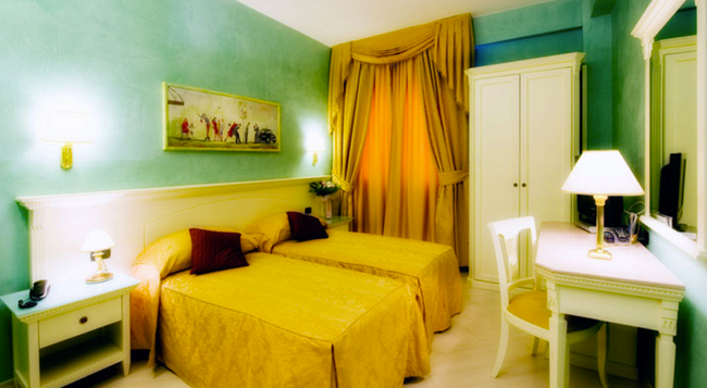 Hotel Bright - Rome - Bedroom