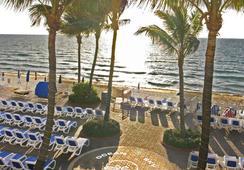 Ocean Sky Hotel and Resort - ฟอร์ต ลอเดอร์เดล - ชายหาด