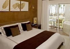 Sirenis Tropical Suites Casino & Spa - Punta Cana - ห้องนอน