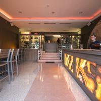 Beds n' Drinks Hostel Hotel Bar