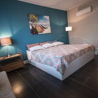 Beds n' Drinks Hostel Guestroom