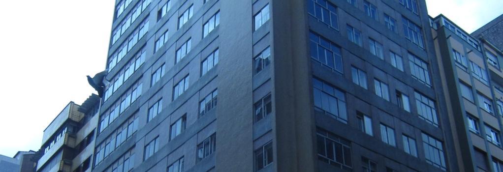 Hotel Acebos Azabache Gijón - Gijon - Building