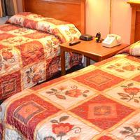 Van Ness Inn Guestroom