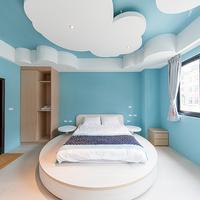 Yellow Kite Hostel Featured Image