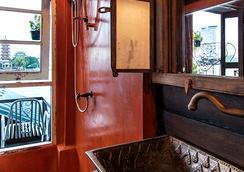 Loy La Long Hotel - กรุงเทพฯ - ห้องน้ำ