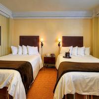 Executive Hotel Vintage Court Guestroom