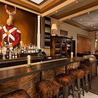 Executive Hotel Vintage Court Hotel Bar
