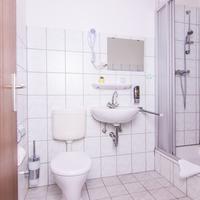 Hotel-Pension Odin Bathroom Shower