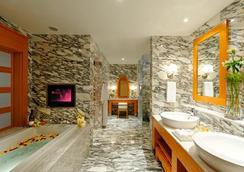 Resorts World Sentosa - Hotel Michael - สิงคโปร์ - ห้องนอน