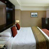 Pacific Regency Hotel Suites Guestroom