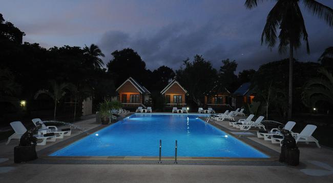 Lanta Sunny House - Ko Lanta - Pool
