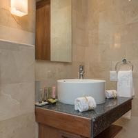 Luca Hotel Bathroom Sink