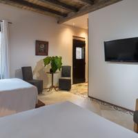Luca Hotel Guestroom