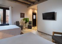 Luca Hotel