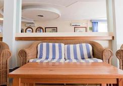 Hotel Apartamentos Lux Mar - อิบิซา - ล็อบบี้