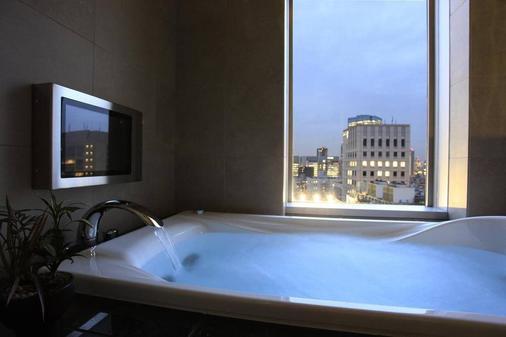 โรงแรมนิวะ โตเกียว - โตเกียว - ห้องน้ำ