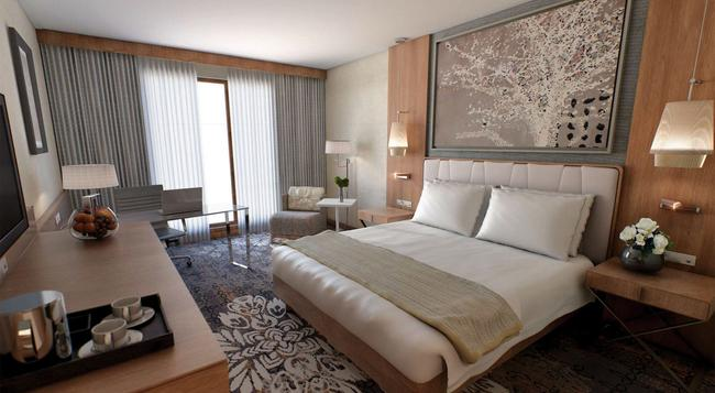 DoubleTree by Hilton Krakow Hotel & Convention Center - Krakow - Bedroom