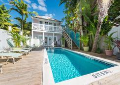 Key West Hospitality Inns - คีย์เวสต์ - สระว่ายน้ำ