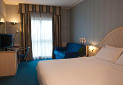 CDH Hotel Villa Ducale - ปาร์มา - ห้องนอน