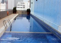 Hotel Royal @ Queens - สิงคโปร์ - สระว่ายน้ำ