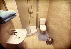 Smart People Eco Hotel - คราสโนดาร์ - ห้องน้ำ