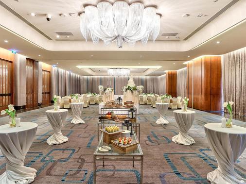 โรงแรมดับเบิ้ลทรี ฮิลตัน สุขุมวิท กรุงเทพฯ - กรุงเทพมหานคร - ห้องน้ำ