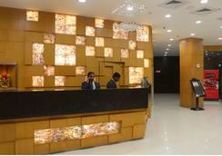 Sandhya Hotel - ไฮเดอราบรัด - แผนกต้อนรับส่วนหน้า