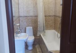 Hotel Mirazh - ออมสค์ - ห้องน้ำ