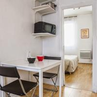 La Ciutat Rosa Guestroom