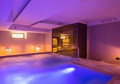 The Strand Hotel - โรม - สระว่ายน้ำ