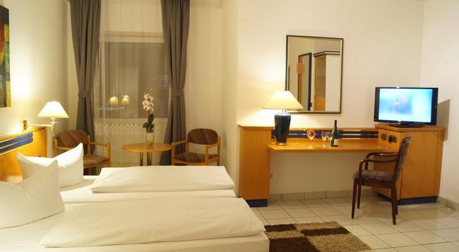 Hotel Rahlstedter Hof - Hamburg - Bedroom