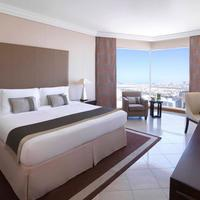 Fairmont Dubai Guestroom