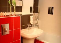 Hotel Bratislava - บราติสลาวา - ห้องน้ำ