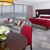 Washington Court Hotel Guestroom