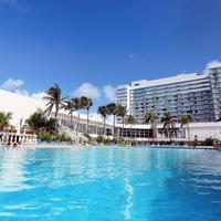 Deauville Beach Resort Exterior