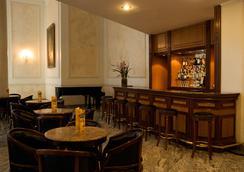 Liberty Palace Hotel - เบโล โอรีซอนชี - บาร์