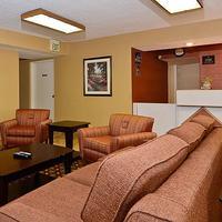 Travelers Inn & Suites - Memphis Lobby