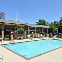 Travelers Inn & Suites - Memphis Pool