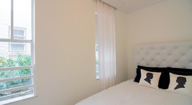 ChicPlace at Lincoln - Miami - Bedroom