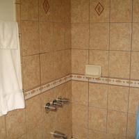 Tower Motel Long Beach Bathroom Shower