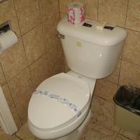 Tower Motel Long Beach Bathroom