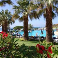 Oura View Beach Club Garden