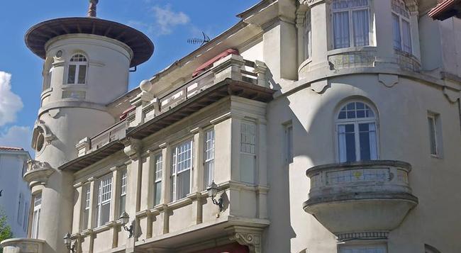 Carlos III - Santander - Building