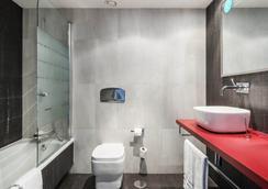 Hotel Ilunion Suites Madrid - มาดริด - ห้องน้ำ